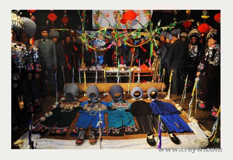 苗族传统文化''接龙''祭坛仪式